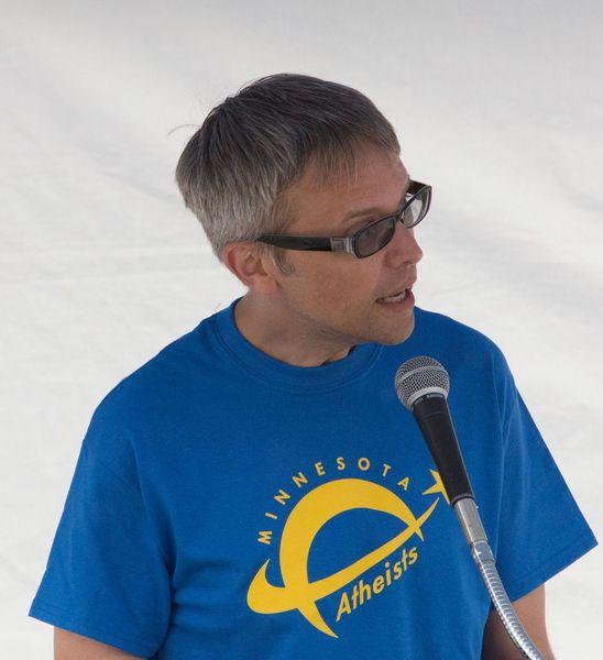 Eric Jayne speaks at Day of Reason in 2015.